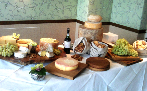 A delicious spread of cheese, wine and grapes from one of our wedding banquets!